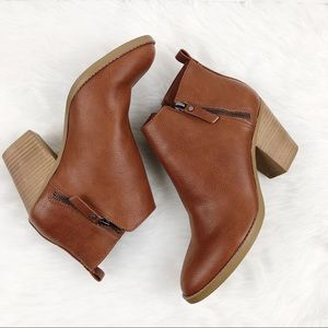 UNIVERSAL THREAD ANKLE BOOTS/BOOTIES